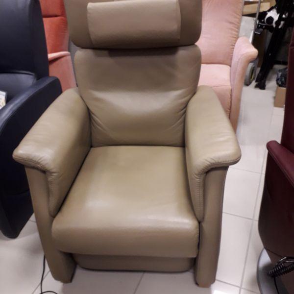 Elektromos, felállás segítő, relax fotel drapp bőr 21/035