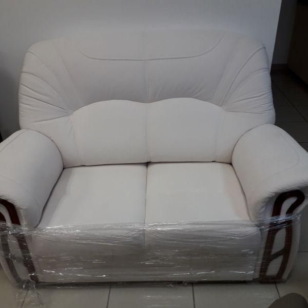 Leon kétszemélyes kanapé